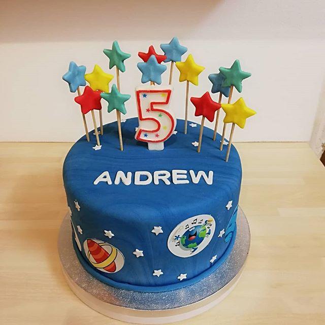 #planet birthday cake#