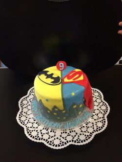 batman superman cake