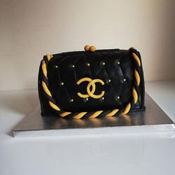 #chanel clutch bag cake#novelty cake#red