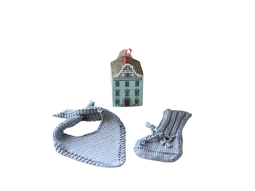 Small Gift Set - Bib & Booties in House Gift Box