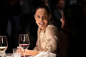 20.01-Widex-MOMENT-Restaurant-Women-talk