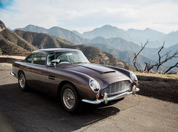 Some excellent work by _anokiart #astonmartindb5 #db5 # James Bond # astonmartin