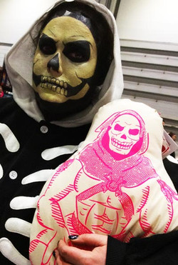 skeletor-motu-cushion-geekart-masters-of-the