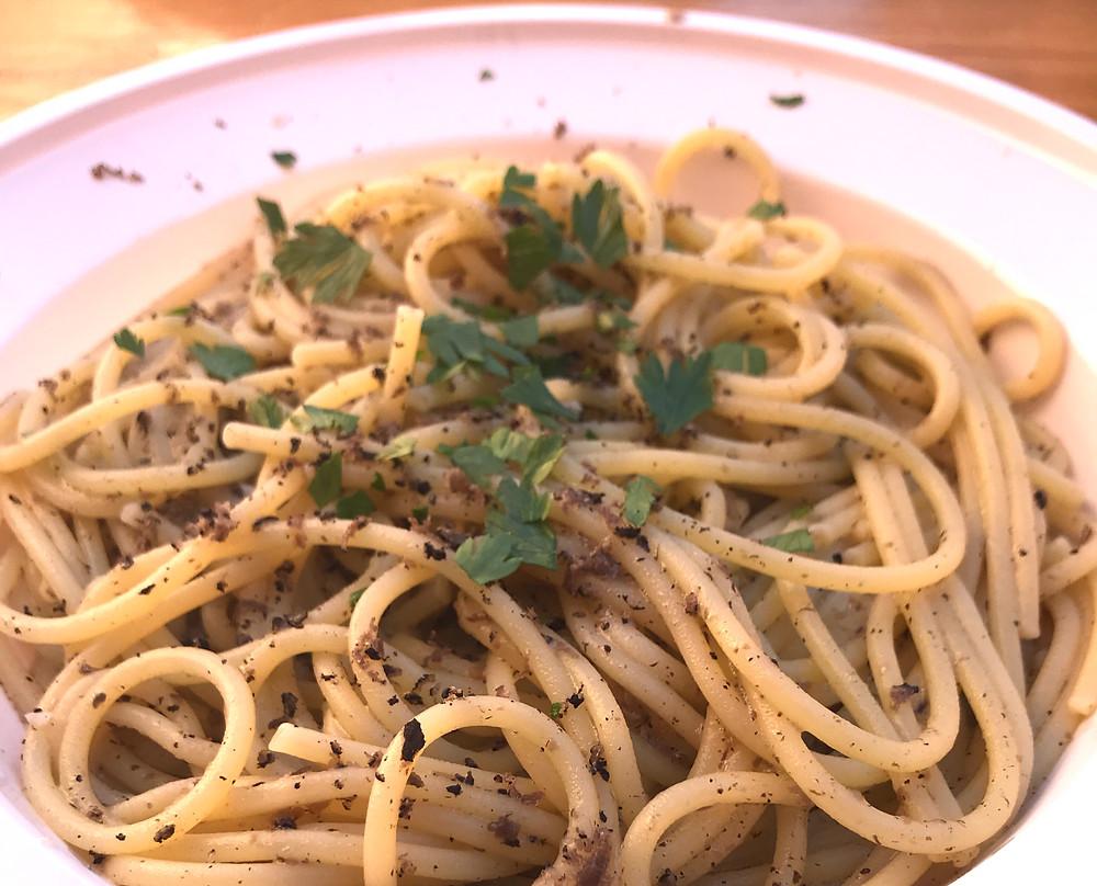 Pasta mit Trüffeln und Pfeffer