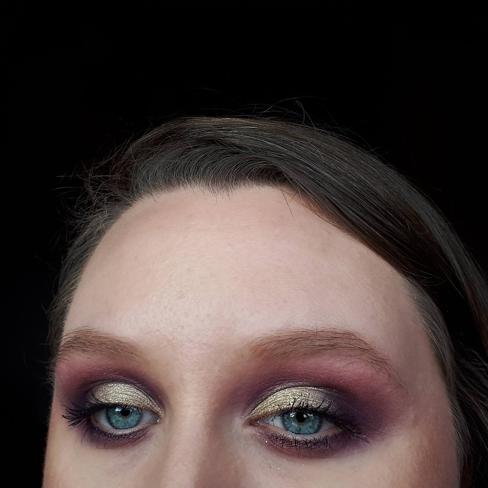 How To Do A Red And Gold Eyeshadow Look
