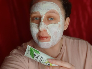 Face Mask And Scrub For Oily Skin