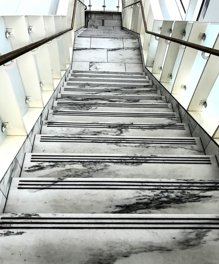 Escada em mármore