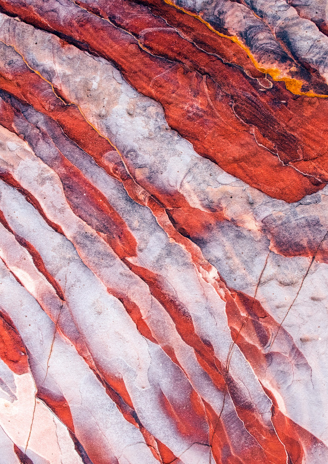 geological-pattern-with-white-and-red-st