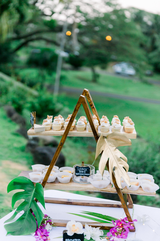 A Frame Dessert Stand