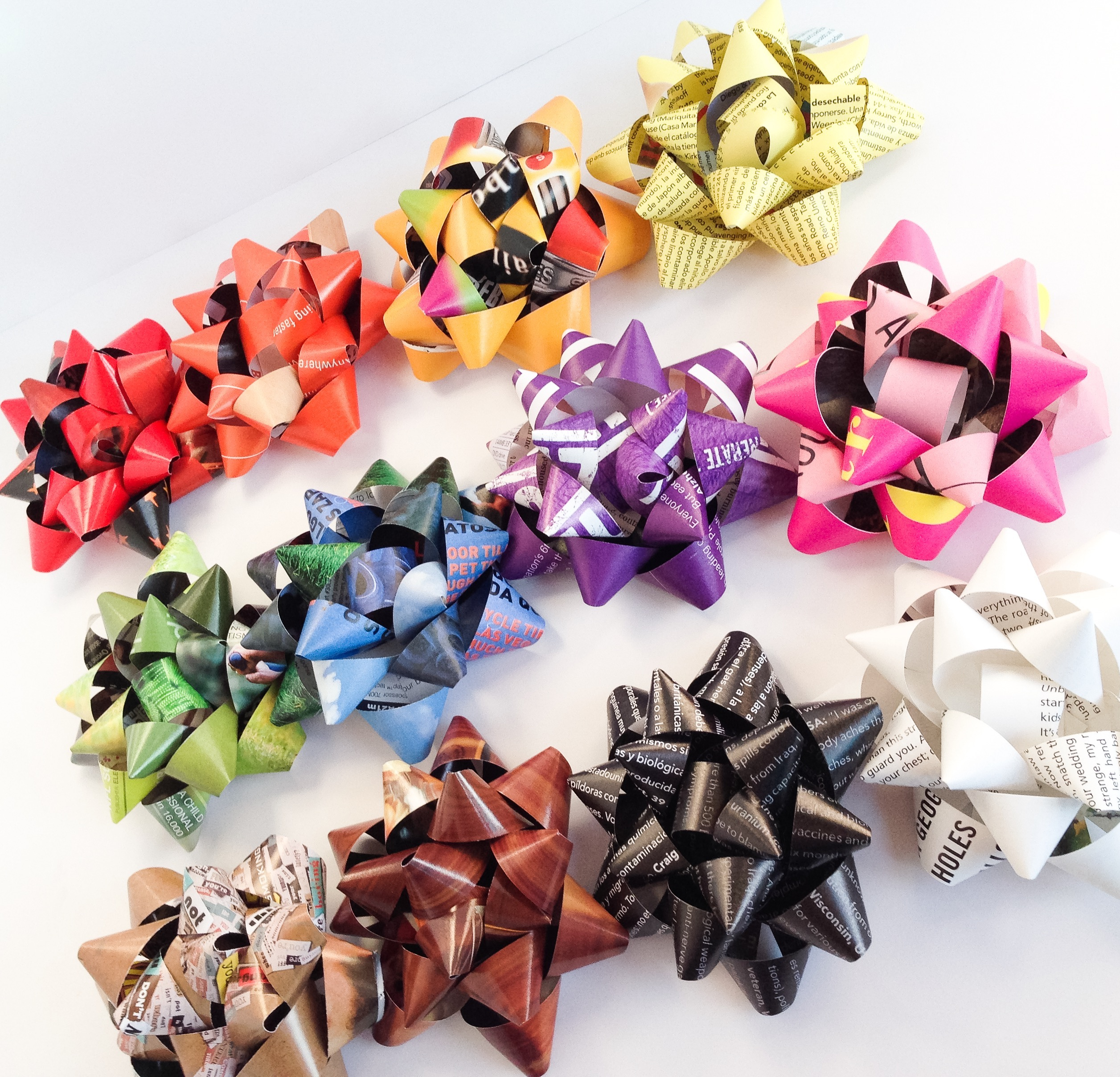 colorful recycled magazine gift bows