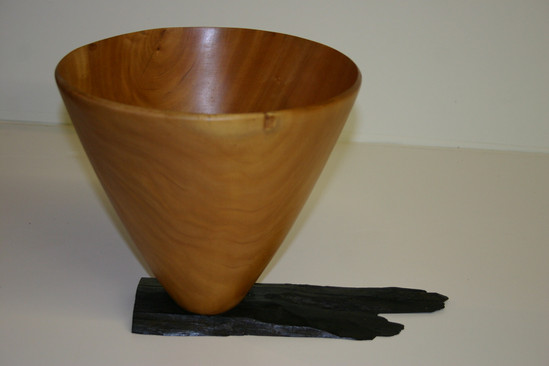 madrone bowlw/ ebony stand