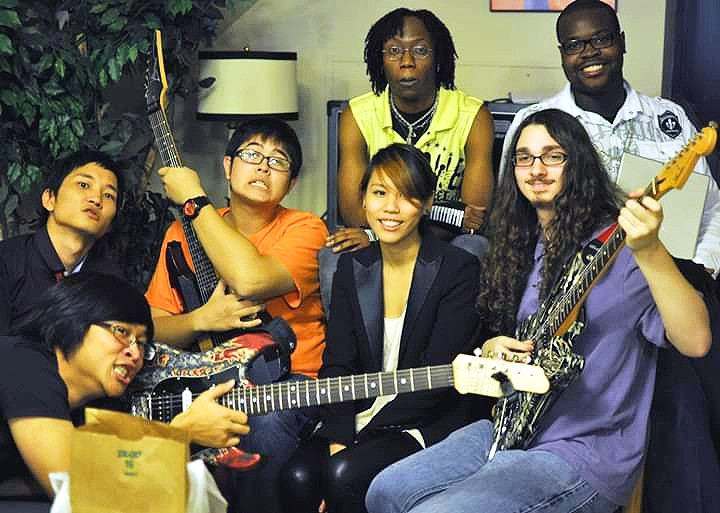 Noshi Curry with KARIZUMA, the last college band