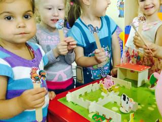 Чем заняты дети в детском саду?