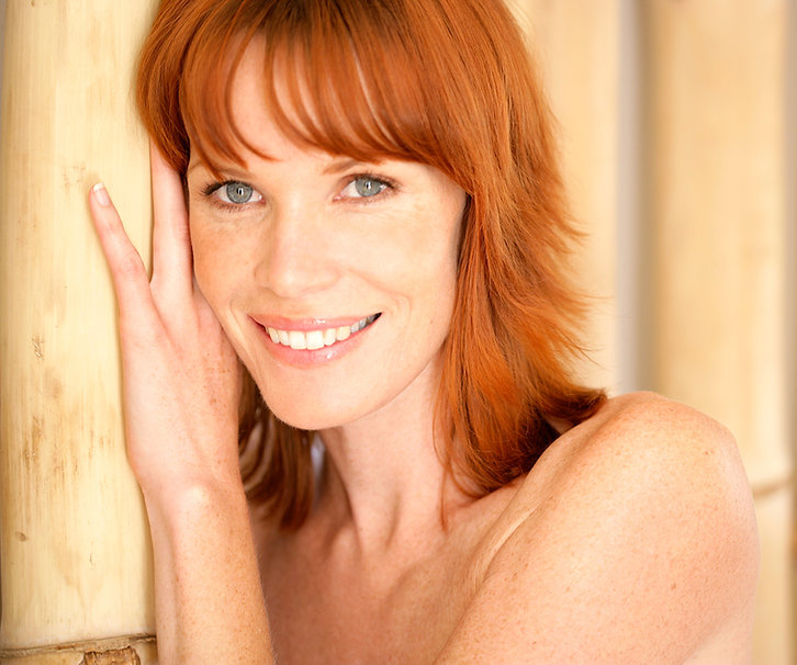 Redhead sorrindo