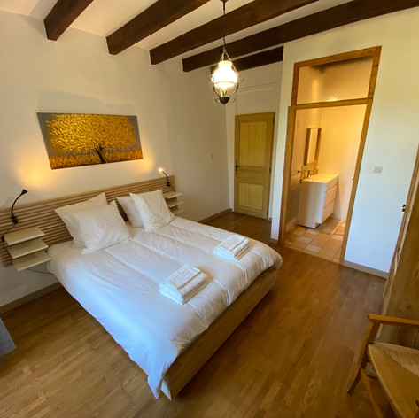 Bedroom with king size bed and en-suite