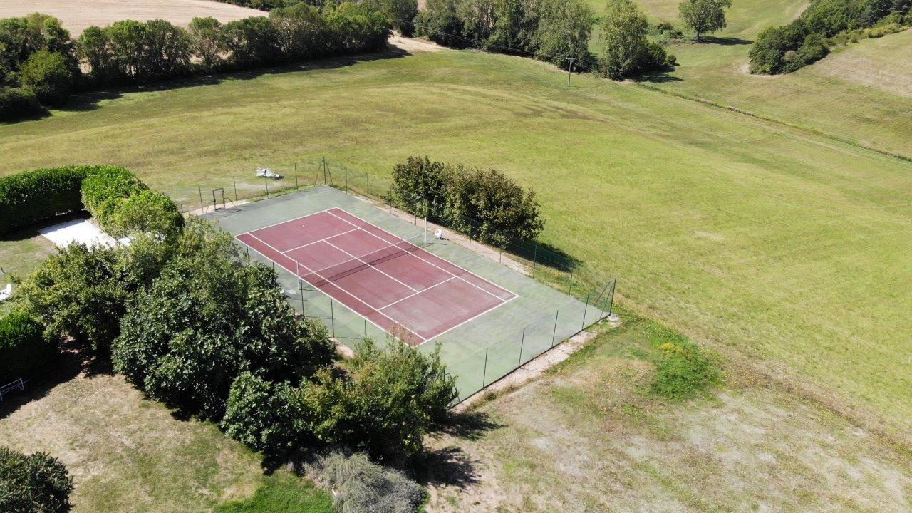 View tennis court.jpg