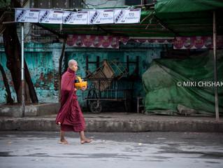 Morning-walk in downtown, Mandalay