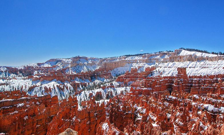 Bryce_Canyon_corrected.jpg
