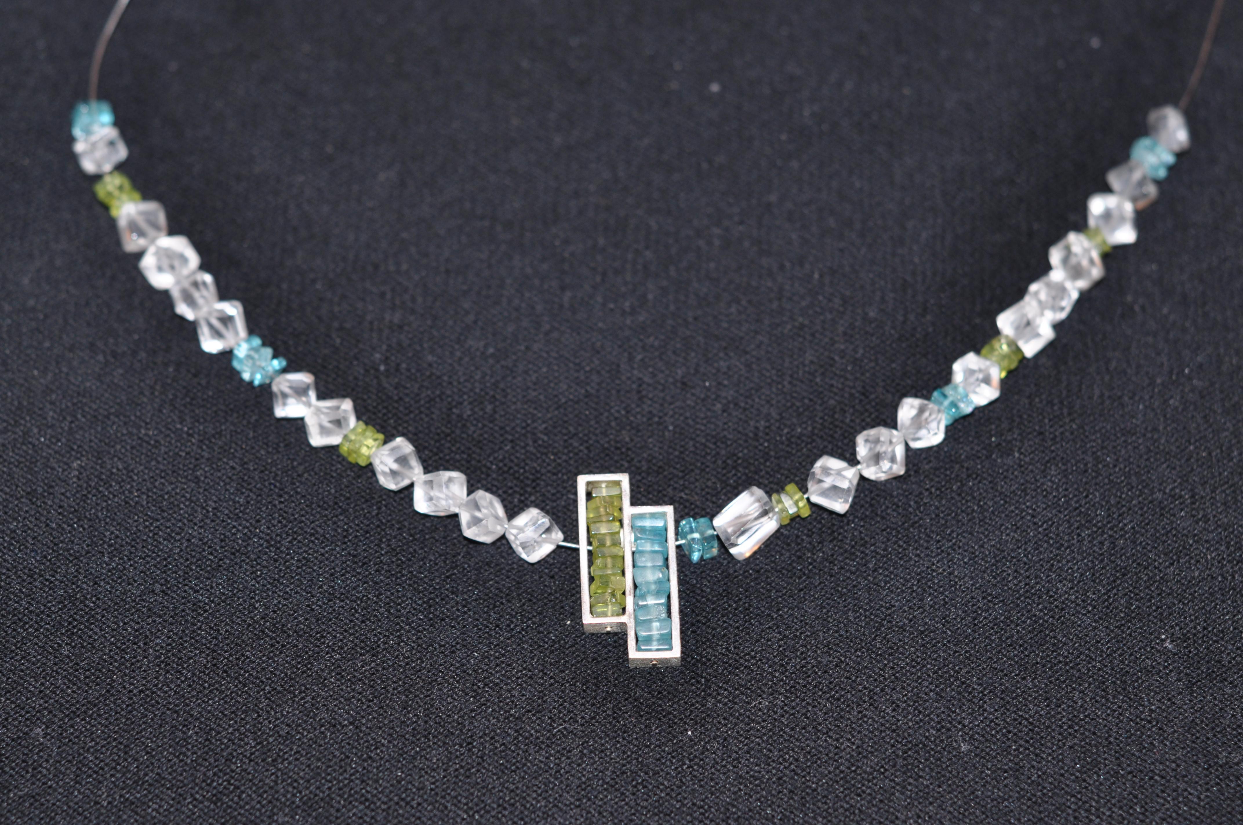 Bergkristall-Apatit-Peridot.JPG