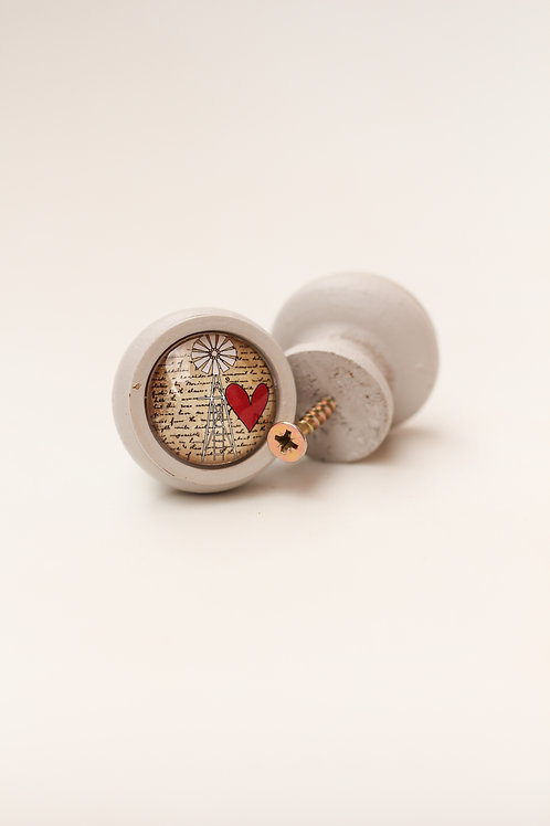 Doorknob Windmill red heart