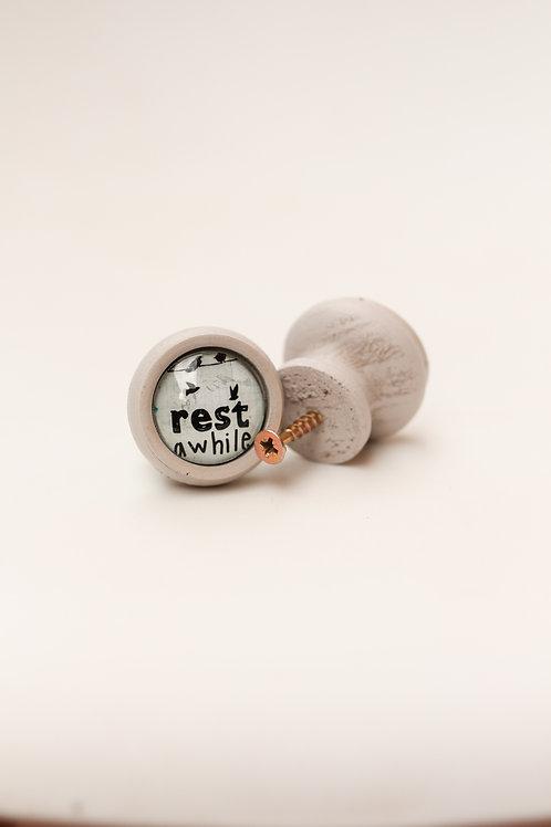 Doorknob Rest a while