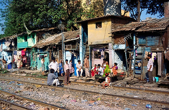 SC orders removal of 48,000 slums around Delhi rail tracks