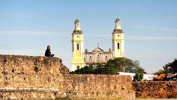 Forte Dom Pedro II com Igreja Matriz ao fundo - Caçapava do Sul