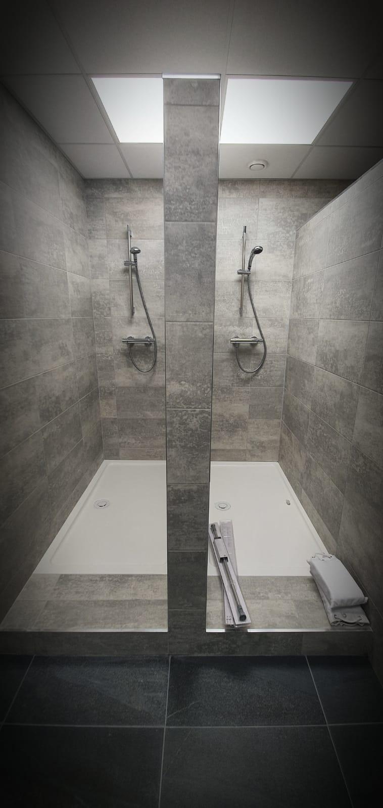 Mens Showers