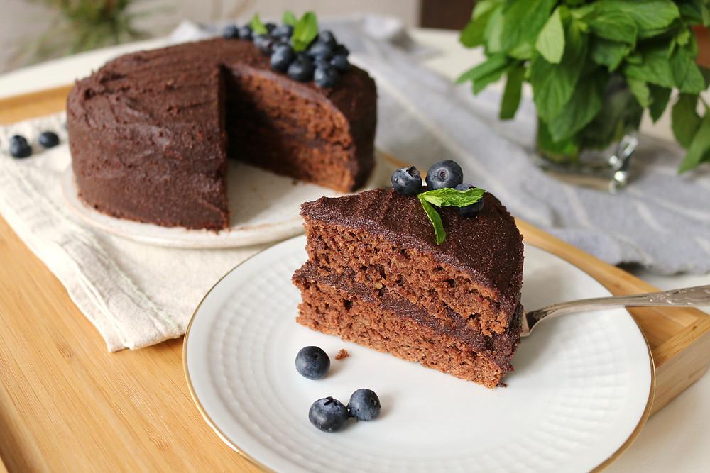 Przepis na Wegański tort czekoladowy (bez cukru rafinowanego)