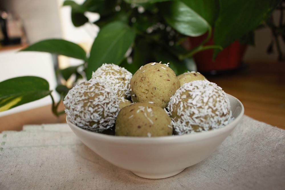 Przepis na Trufle z awokado (wegańskie, bezglutenowe, bez cukru rafinowanego)