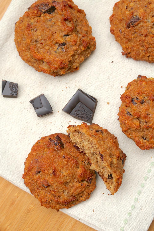 Migdałowe ciasteczka z bananem i czekoladą (wegańskie, bezglutenowe, bez cukru rafinowanego)