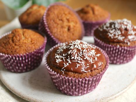 Waniliowe cupcakes (wegańskie, bez cukru rafinowanego, z opcją bezglutenową)