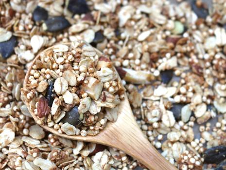Śniadaniowa granola - 2 nowe przepisy! (wegańskie, bezglutenowe, bez cukru rafinowanego)