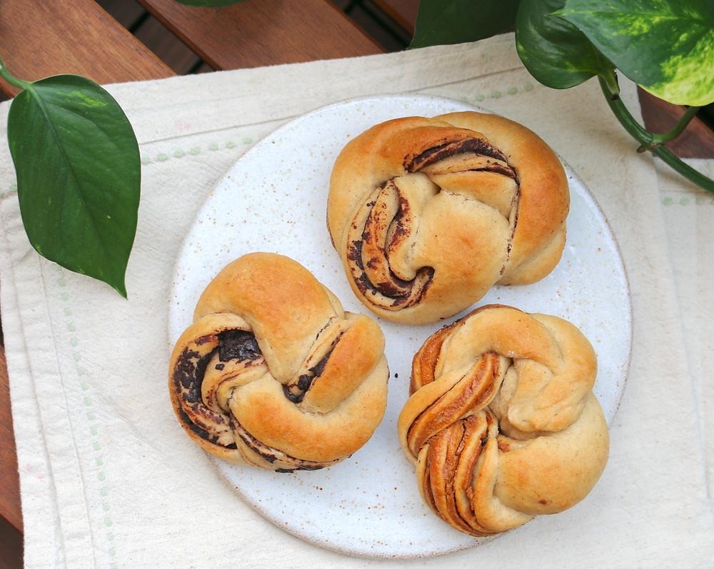 Mini bułeczki à la chałka (wegańskie, bez cukru rafinowanego)
