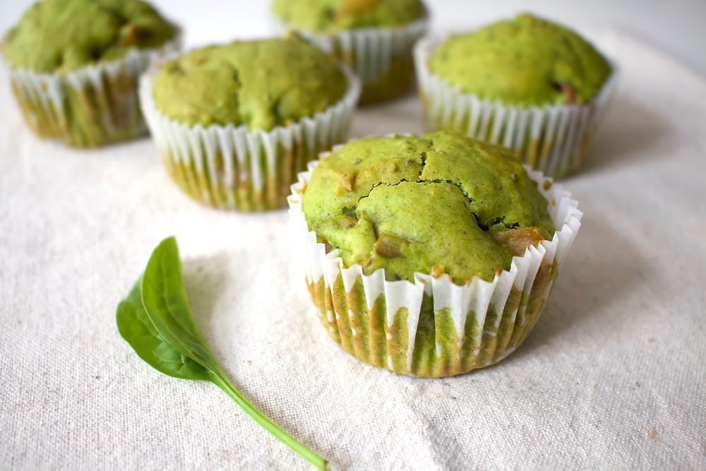 Przepis na Szpinakowo – cytrynowe muffinki z jabłkami (wegańskie, bez cukru rafinowanego)
