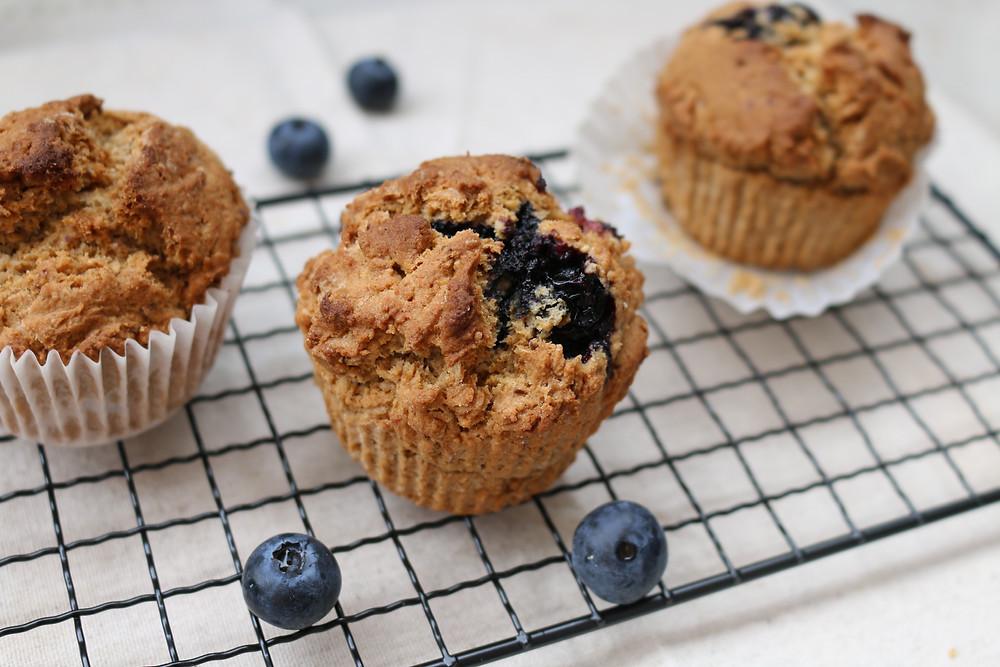 Przepis na muffinki z jagodami (wegańskie, bezglutenowe, bez cukru rafinowanego)