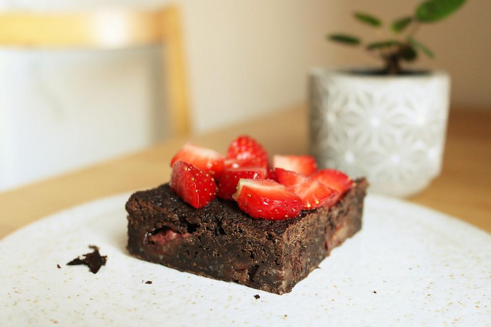 Przepis na brownie z truskawkami (wegańskie)