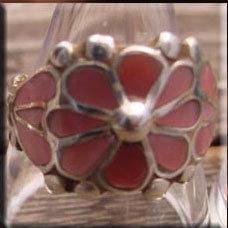 銘:Leekya 「ピンクシェルの花をモチーフしたリング(#12,#15.5)」