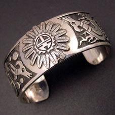 銘:Jesse Josytewa★ 幸福の象徴,命の源を表す「3Dサンフェイスとドラゴンのバングル」