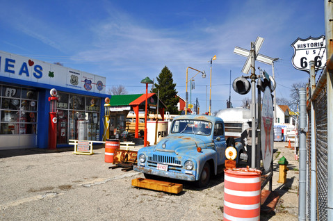 Shea's Gas Station Route 66 Museum
