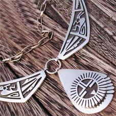 銘:Floyd Namingha★ 幸福の象徴,命の源を表す「サンフェイス,ココペリの豪華ネックレス」