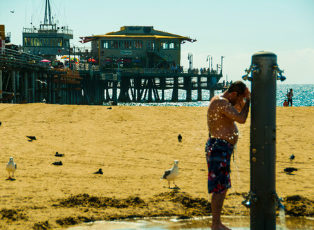 Santa Monica, CA ─ Santa Monica Beach