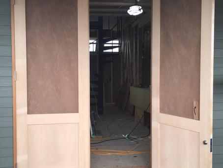 新店舗のドア