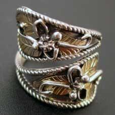 銘:Dennis O'Kee Gold Leaf & Vine 「リーフと蔓をデザインしたリング (#15 調整可能)」