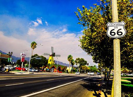 Santa Anita, CA ─ Sign