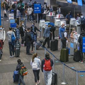 AS CORONAVIRUS DEATHS SOAR, MILLIONS IN US STICK TO THANKSGIVING TRAVEL PLANS DESPITE WARNINGS