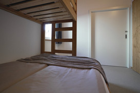 Bedroom with 3 person bunkbed