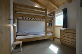 Bedroom with 2 person bunkbed