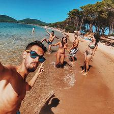 beach-bikini-enjoyment-1427741_edited.jp