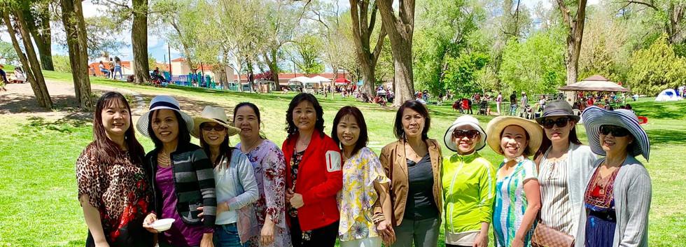 WomenGroupPhoto2.jpg